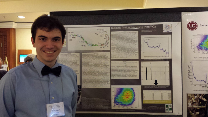 Frank DeVone '16 presenting his research at a national conference.